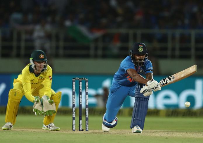 IND vs AUS : STATS: पहले टी-20 में बने कुल 9 रिकॉर्ड, धोनी के नाम जुड़ा ये शर्मनाक रिकॉर्ड 3