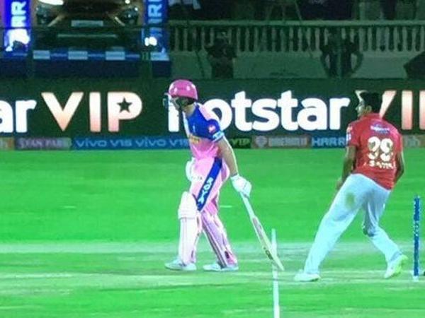 WATCH : अश्विन की तरह इस गेंदबाज ने भी किया बल्लेबाज को मांकडिंग, बल्लेबाज ने मैदान पर जो किया सहम गये अंपायर 2