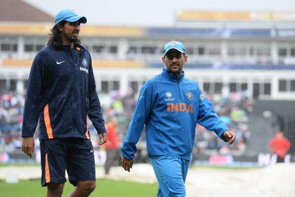 WATCH: पाकिस्तान के खिलाफ अंतिम वनडे में आदिल रशीद ने महेंद्र सिंह धोनी की तरह बिना देखे किया स्टम्प पर थ्रो 3