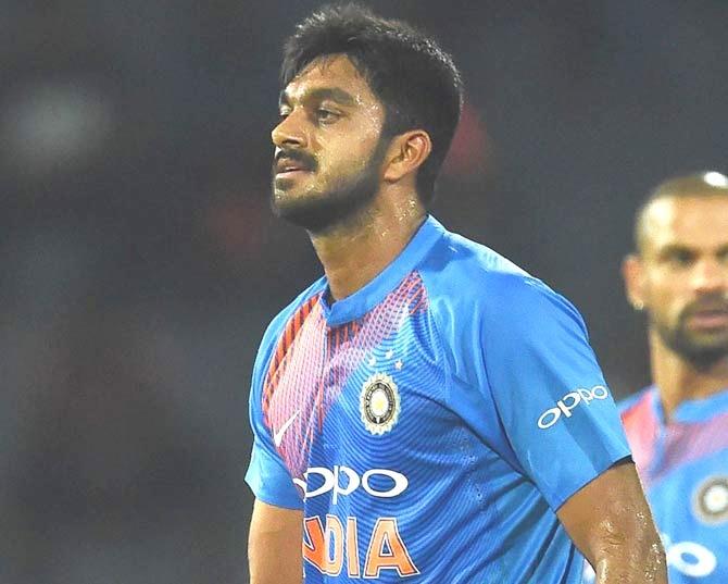 विश्व कप के बाद से ही टीम से बाहर चल रहे विजय शंकर चयनकर्ताओं पर भड़के, वापसी न होने पर कही ये बात 3