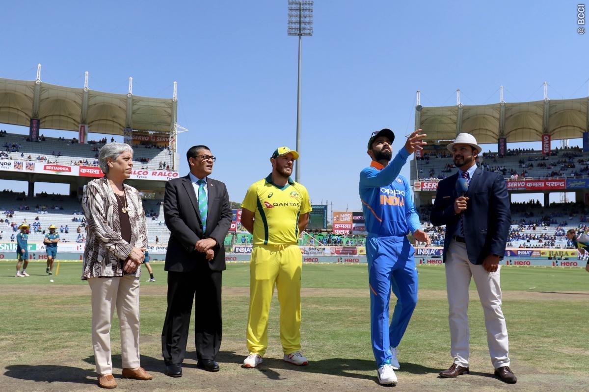 India vs Australia- टॉस रिपोर्ट: भारत ने टॉस जीत किया बल्लेबाजी का फैसला, दिग्गज समेत ये 4 खिलाड़ी हुए बाहर