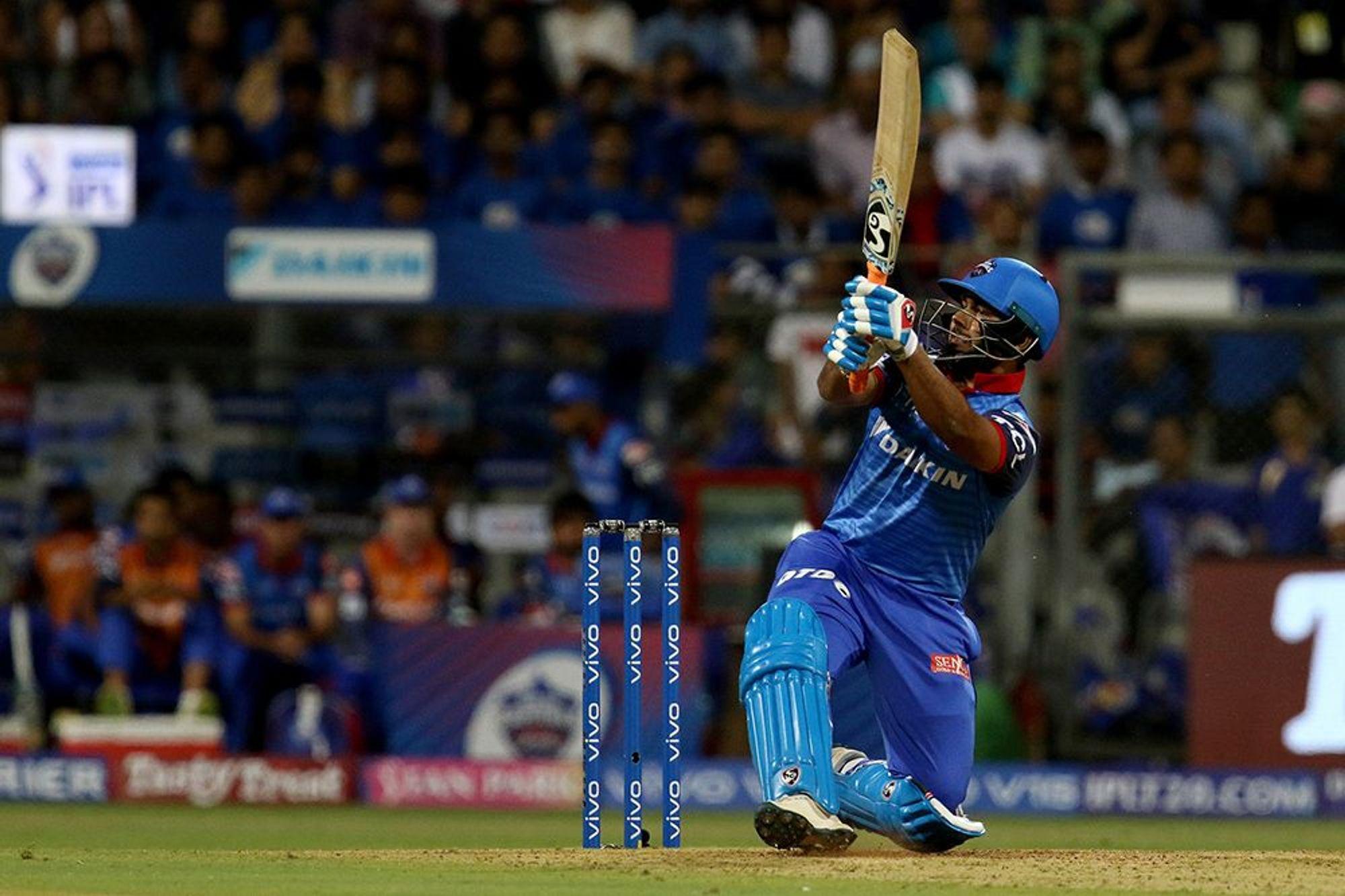 IPL 2019- जॉनसन को पसंद नहीं आई ऋषभ पंत की 18 गेंदों में 50 रनों की तूफानी पारी, इस ऑस्ट्रेलियाई खिलाड़ी से की तुलना 13