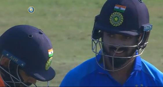 WATCH: विराट कोहली ने खेला ऐसा अटपटा शॉट, देखकर नहीं रुकी केएल राहुल की हंसी 3
