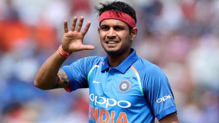 मोहम्मद शमी के खिलाफ पुलिस ने की चार्जशीट, अब ये गेंदबाज विश्व कप में ले सकते हैं उनकी जगह! 3