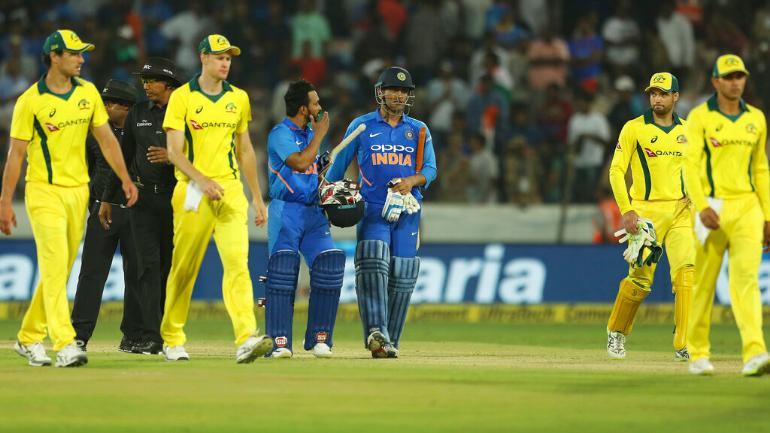 STATS : INDvsAUS : तीसरे वनडे में बन सकते हैं कुल 8 रिकॉर्ड, कोहली के पास द्रविड़ का विश्व रिकॉर्ड तोड़ने का मौका 4