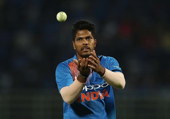 मोहम्मद शमी के खिलाफ पुलिस ने की चार्जशीट, अब ये गेंदबाज विश्व कप में ले सकते हैं उनकी जगह! 2