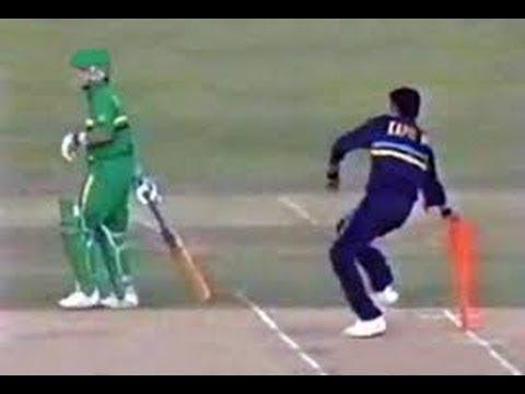 5 मौके जब गेंदबाज ने मांकडिंग कर अपनी टीम को जीताया मैच, टॉप पर हैं भारतीय विश्वविजेता कप्तान 7