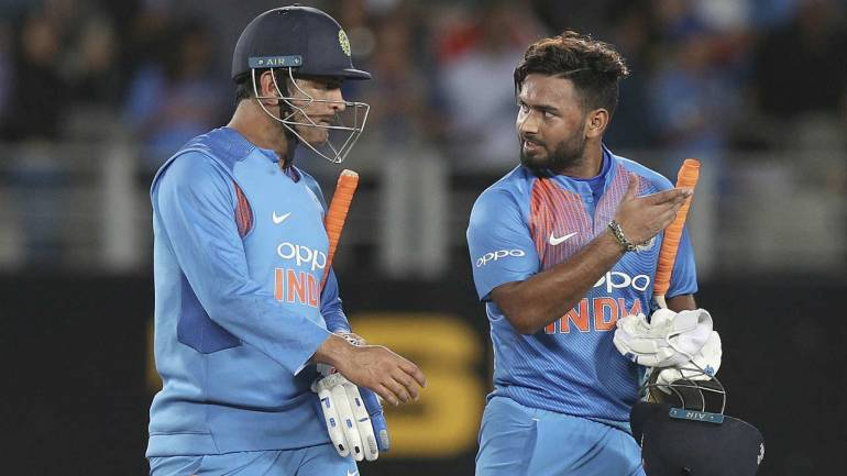 Dhoni's right choice is Pant: Potting