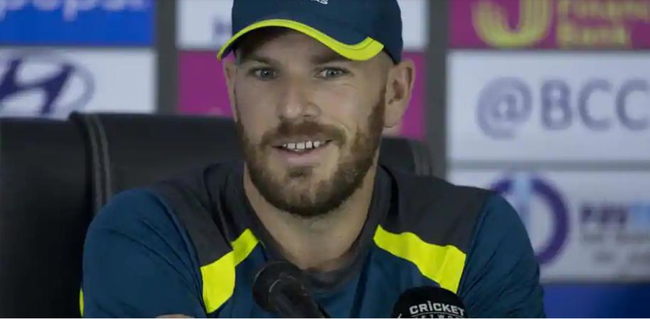INDIA vs AUSTRALIA: बुमराह और भुवनेश्वर रहे एश्टन टर्नर को अंत में आउट करने में असफल, तो फिंच ने इस गेंदबाज को बताया विश्व का सर्वश्रेष्ठ डेथ ओवर गेंदबाज 8