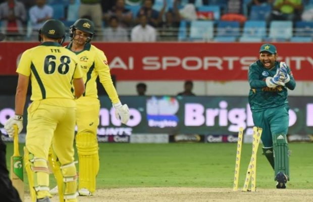 sharjah-odi-australia-win-by-8-wickets-on-the-basis-of-finchs-century