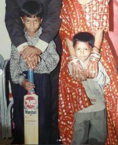 गरीबी के दिनों को याद करते हुए हार्दिक पांड्या ने शेयर की भाई के साथ बचपन की तस्वीरें, लिखा कुछ ऐसा 7