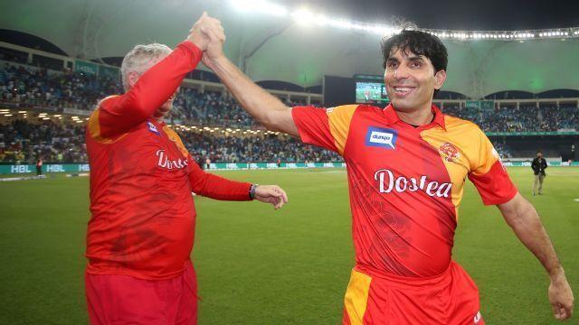 रॉयल चैलेंजर्स बैंगलोर से खेल चुके हैं ये 3 दिग्गज खिलाड़ी शायद ही अब किसी को होगा याद 4