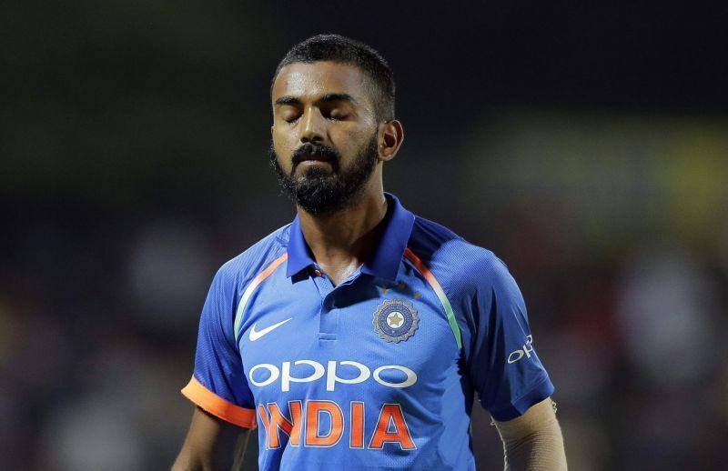अंबाती रायडू नहीं बल्कि इस खिलाड़ी को सुनील गावस्कर ने बताया नंबर 4 का सर्वश्रेष्ठ बल्लेबाज 3