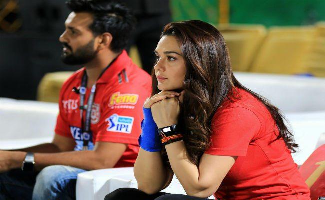 किंग्स इलेवन पंजाब के लिए आई बुरी खबर, टीम के 2 सबसे महत्वपूर्ण खिलाड़ी हुए पुरे आईपीएल से बाहर