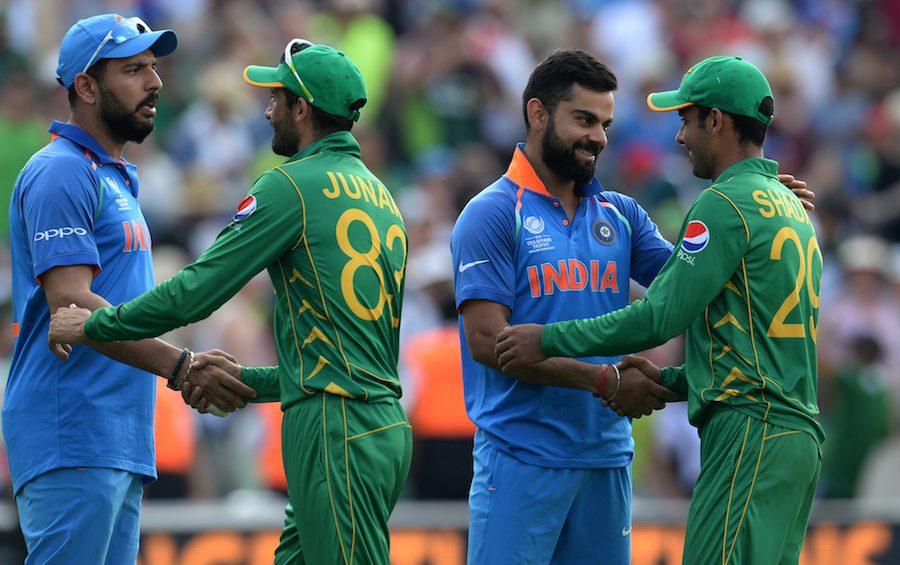 पाकिस्तान के साथ द्विपक्षीय सीरीज खेलने को लेकर पूर्व भारतीय विकेटकीपर ने कहा, 'कुत्ते की दम 20 साल बाद भी सीधी नहीं होती' 1