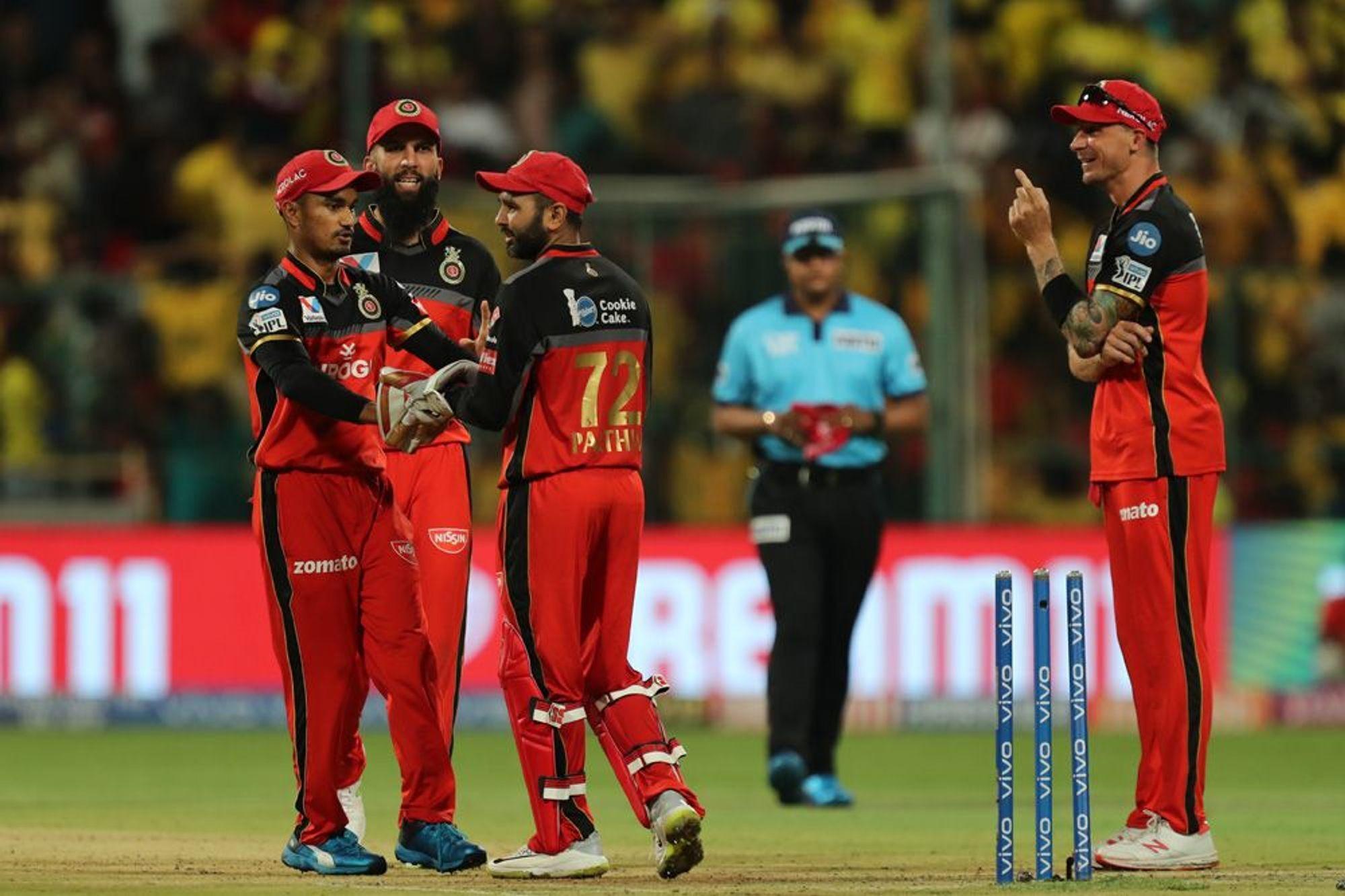 आईपीएल 2019: पार्थिव पटेल की बदौलत रोमांचक मैच में जीता बैंगलोर तो मोहम्मद सिराज ने किया कुछ ऐसा जीत लिया दिल 12