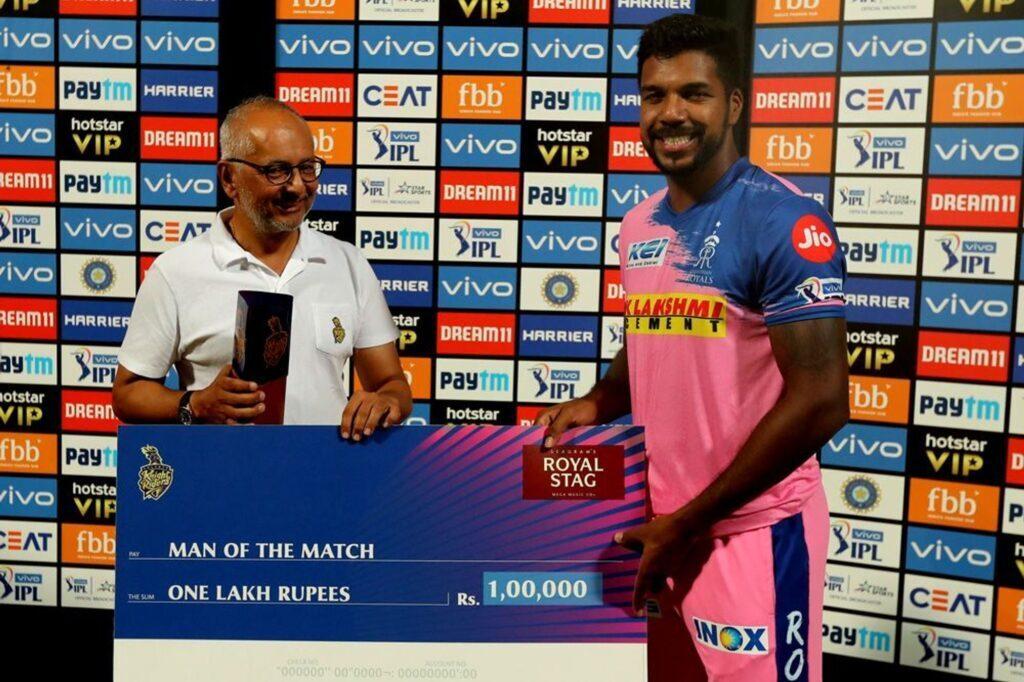 'मैन ऑफ़ द मैच' लेते हुए वरुण आरोन ने अपनी टीम के ही साथी खिलाड़ी अजिंक्य रहाणे को सूना दी खरी-खोटी 2