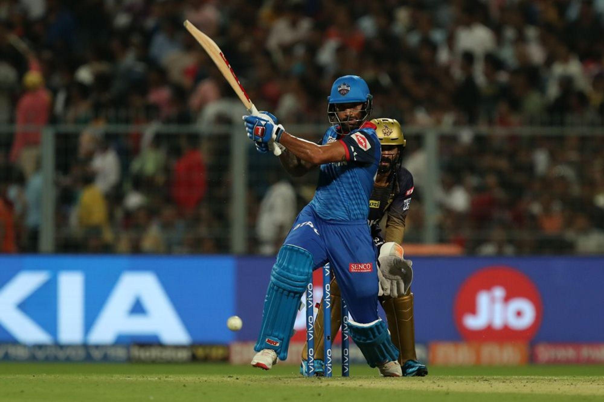 KKRvsDC: दिल्ली कैपिटल्स को जीत दिलाकर ट्विटर पर छाए शिखर धवन, इस खिलाड़ी का उड़ा मजाक 1