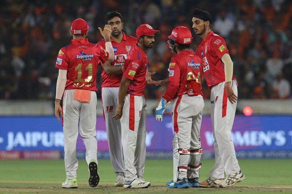 आईपीएल 2019: 48वें मुकाबलें के बाद और मजेदार हुई प्लेऑफ की जंग, जानें कौन-सी टीम कर सकती है क्वालीफाई 2