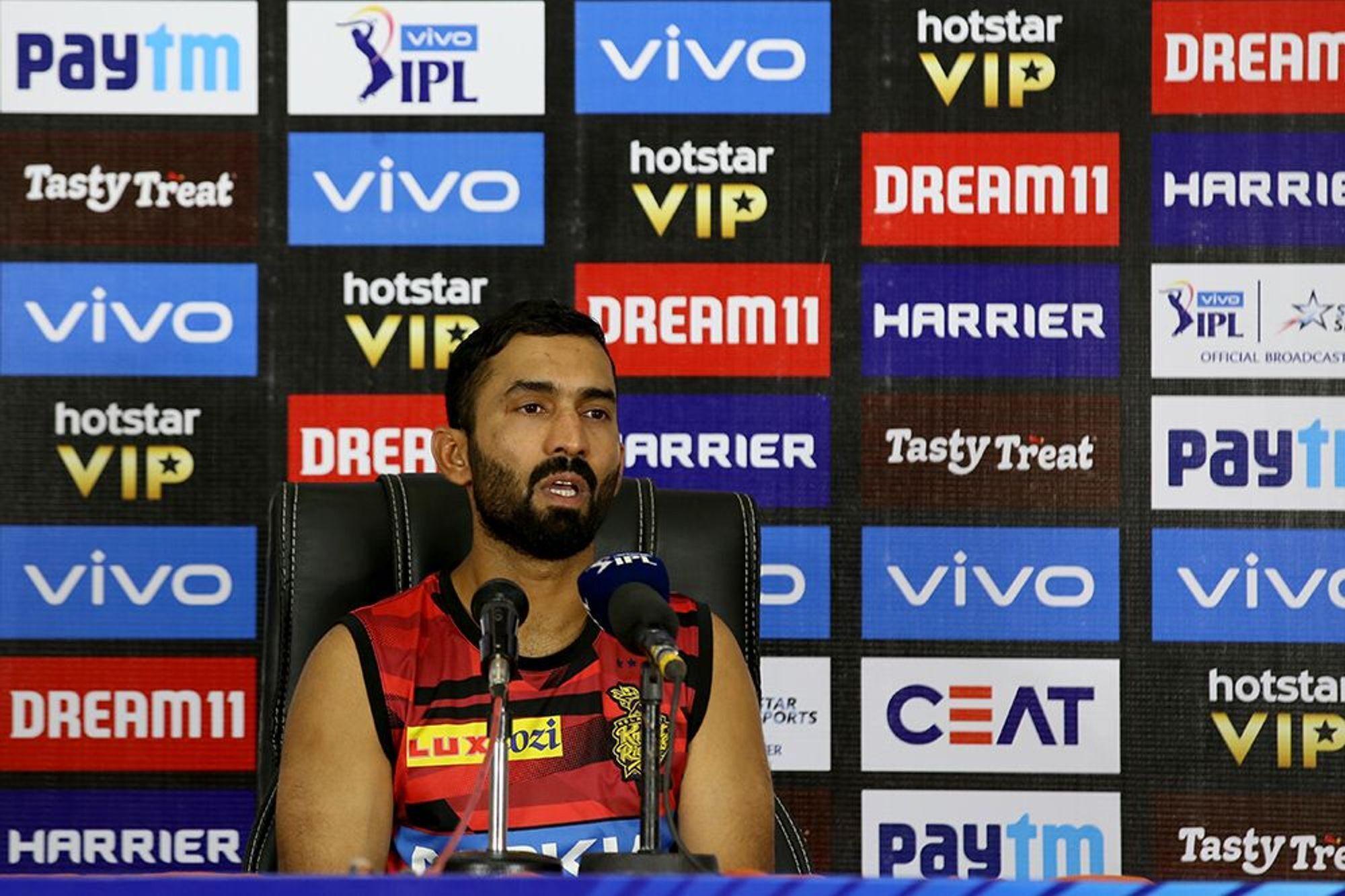 IPL 2019: रसेल ने की थी दिनेश कार्तिक के कप्तानी की आलोचना अब भड़के कप्तान कार्तिक 11