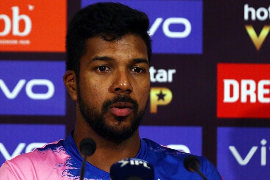 'मैन ऑफ़ द मैच' लेते हुए वरुण आरोन ने अपनी टीम के ही साथी खिलाड़ी अजिंक्य रहाणे को सूना दी खरी-खोटी 3