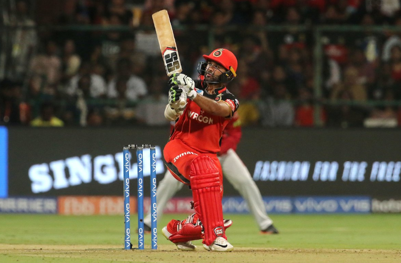 RCBvsKXIP: एबी डिविलियर्स और पार्थिव पटेल विस्फोटक बल्लेबाजी के बाद ट्विटर पर छाए 2