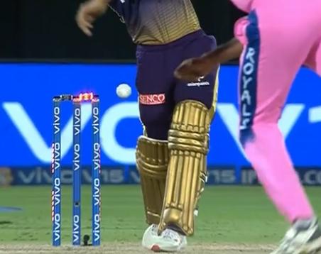 IPL 2019: गेंद लगने के बावजूद बेल्स नहीं गिरने पर माइकल वॉन ने दिया ऐसा करने का सुझाव 2