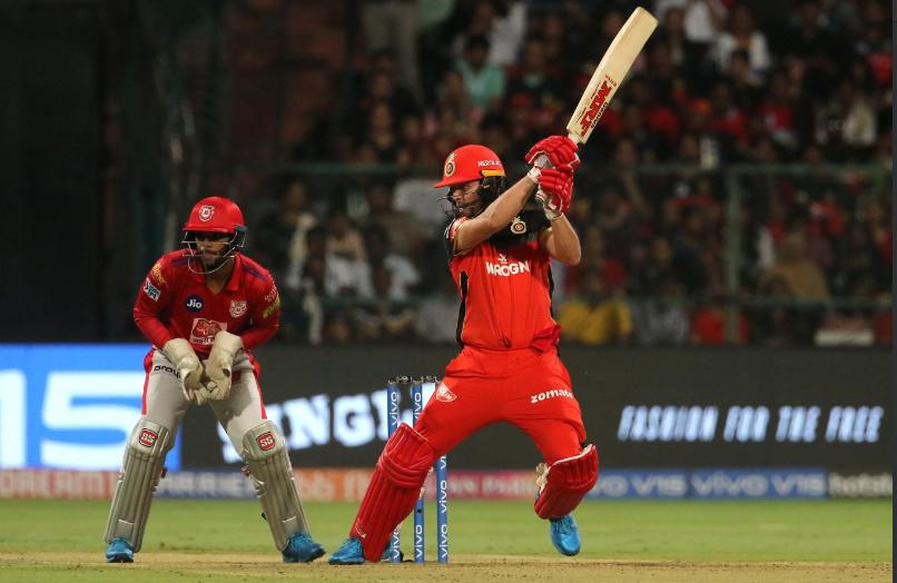 RCBvsKXIP: एबी डिविलियर्स और पार्थिव पटेल विस्फोटक बल्लेबाजी के बाद ट्विटर पर छाए 1