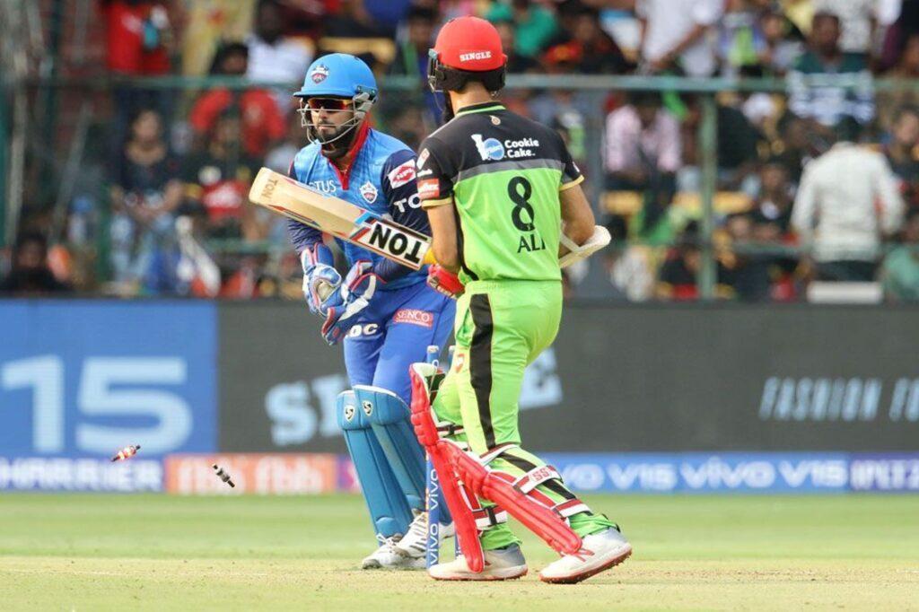 RCBvsDC: सोशल मीडिया पर कप्तानी के बाद अब विराट कोहली की बल्लेबाजी पर भी उठे सवाल 1