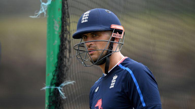 इंग्लैंड की टीम में क्रिस सिल्वरवुड को चुना गया नया कोच एलेक्स हेल्स को हो सकता है फायदा 3