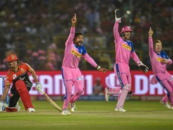 IPL 2019: RCB vs RR: बारिश की वजह से रद्द हुआ मुकाबला, इस टीम को हुआ सबसे ज्यादा फायदा 14