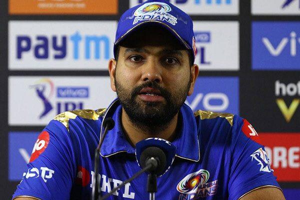 आईपीएल 2019: प्लेऑफ़ में पहुंचने के बाद चेन्नई सुपर किंग्स पर तंज कसते हुए नजर आये रोहित शर्मा
