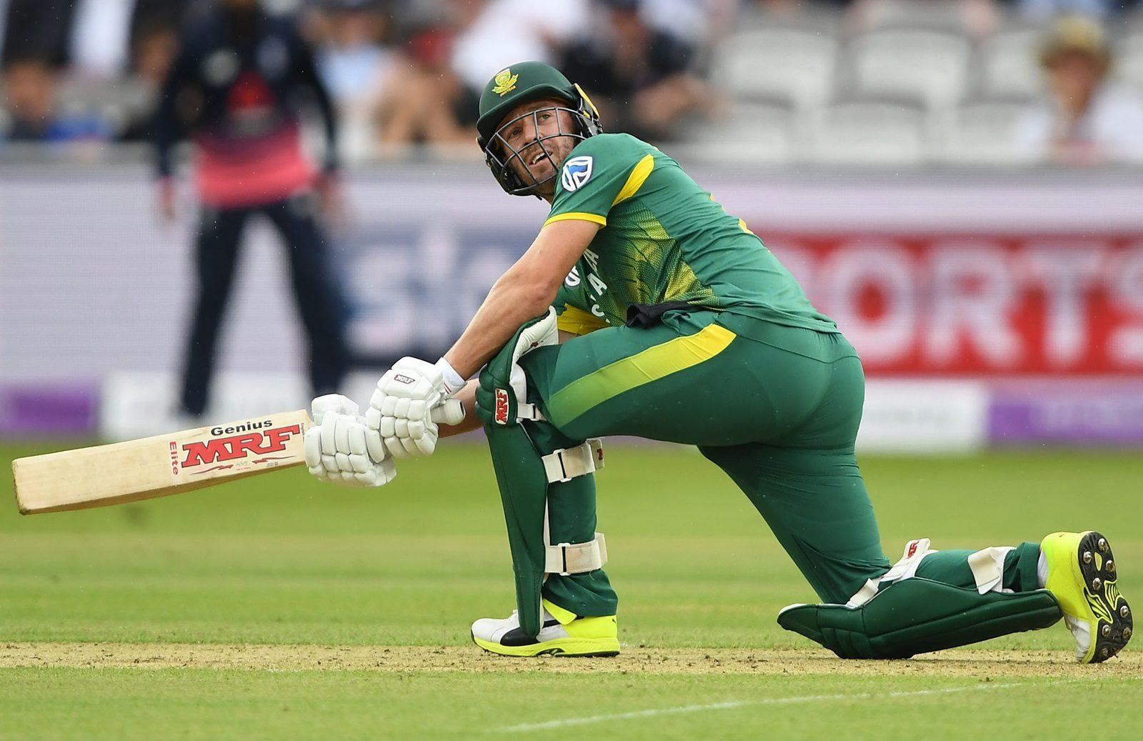 5 दिग्गज क्रिकेटर, जिन्होंने काफी कम उम्र में ले लिया था संन्यास, अभी बचा था काफी क्रिकेट 13