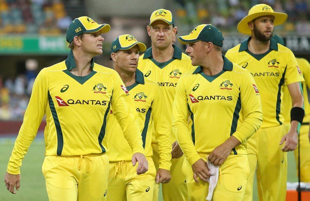 ऑस्ट्रेलियाई दिग्गज खिलाड़ी ने कहा, स्मिथ, वार्नर को नहीं खेलना चाहिए आईपीएल 2
