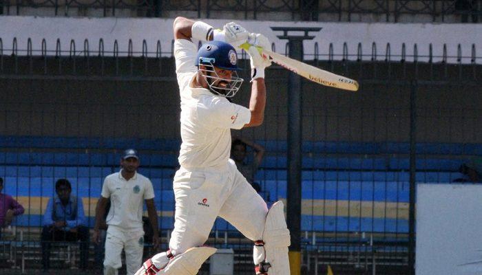 वीडियो: रणजी ट्रॉफी मैच के दौरान गेंदबाज ने डाली जानलेवा गेंद, बल्लेबाज को लगते ही मैदान में दौड़ पड़े फिजियो और खिलाड़ी 4