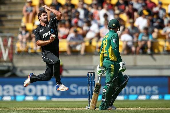 इन पांच गेंदबाजों के खिलाफ जमकर आग उगलेगा महेंद्र सिंह धोनी का बल्ला 6