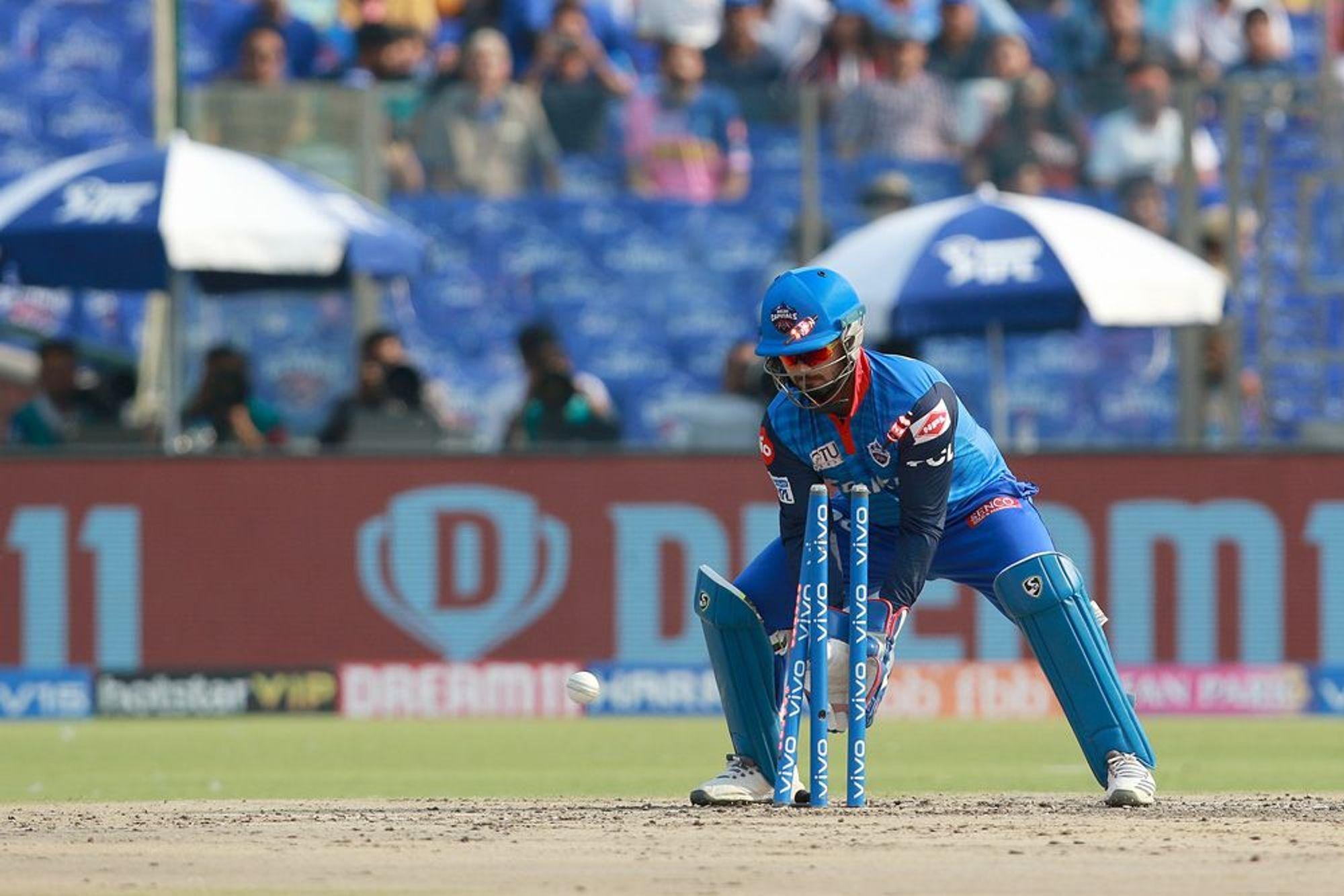 आईपीएल 2019: DC vs RR: 4.2 ओवर में अपनी इस बड़ी गलती के चलते रन आउट हुए संजू सैमसन, वीडियो देख नहीं रुकेगी आपकी हंसी 2