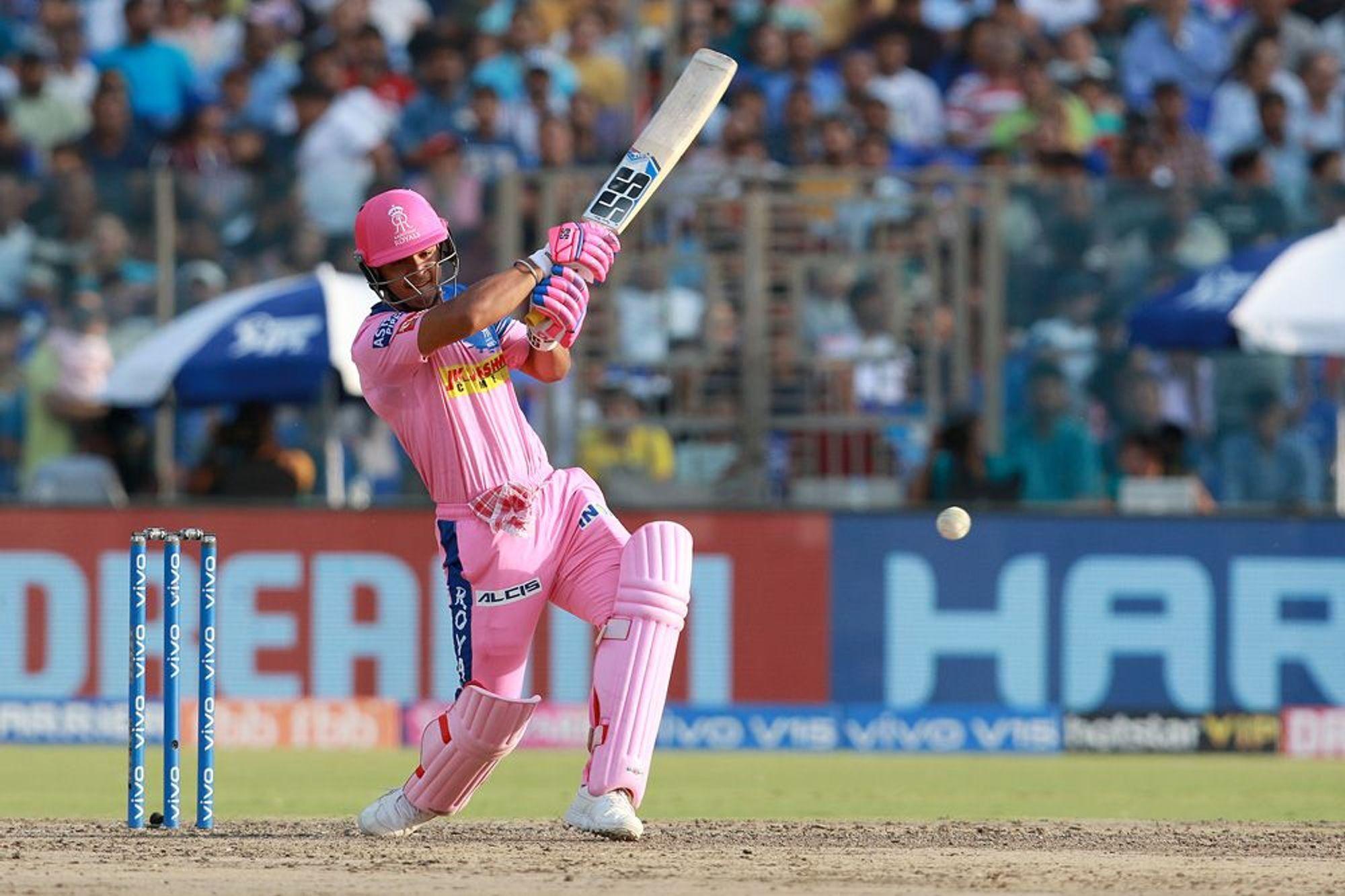 राजस्थान रॉयल्स के हार के बावजूद ट्विटर पर छाए रियान पराग, जानें किसने क्या कहा? 11