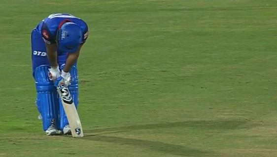WATCH : 14.2 ओवर में रदरफोर्ड ने खेला ऐसा शॉट, जिसे ऋषभ पंत हो गए चोटिल 4
