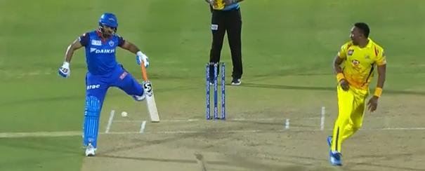 WATCH : 14.2 ओवर में रदरफोर्ड ने खेला ऐसा शॉट, जिसे ऋषभ पंत हो गए चोटिल 2