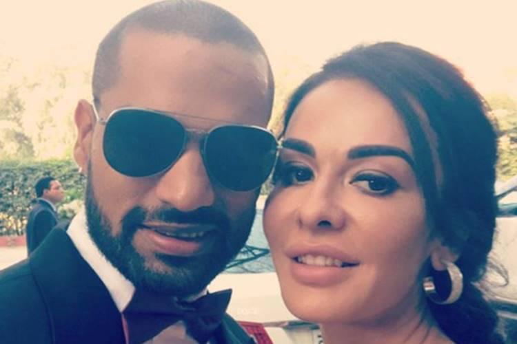 शिखर धवन ने अपनी पत्नी के साथ पोस्ट की तस्वीर, बताई प्यार की सुंदर परिभाषा 1