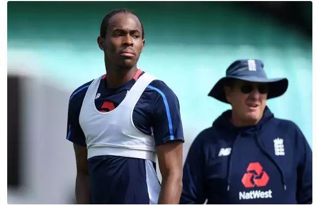 इंग्लैंड की टीम के हेड कोच ने दिए बड़े संकेत जोफ्रा आर्चर नहीं, बल्कि यह खिलाड़ी खेल सकता हैं विश्व कप 13