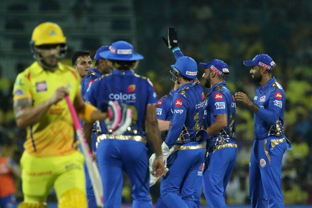 आईपीएल 2019: अंतिम ओवर में एमएस धोनी को नो बॉल डालना जसप्रीत बुमराह को पड़ा महंगा, सोशल मीडिया पर खूब उड़ा मजाक 2