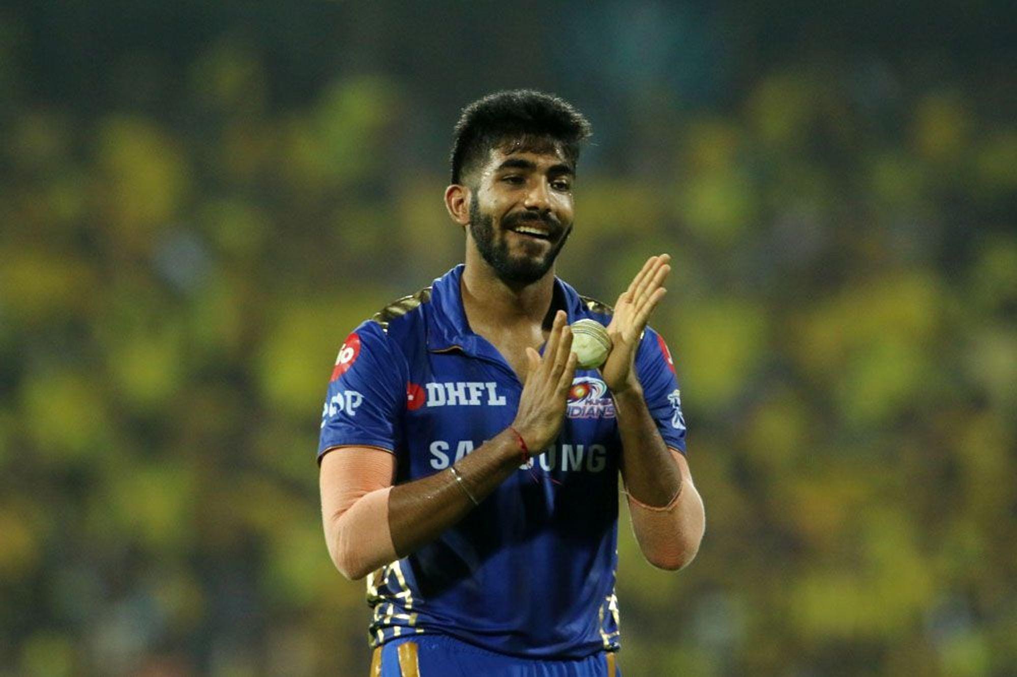 आईपीएल 2019: अंतिम ओवर में एमएस धोनी को नो बॉल डालना जसप्रीत बुमराह को पड़ा महंगा, सोशल मीडिया पर खूब उड़ा मजाक 1