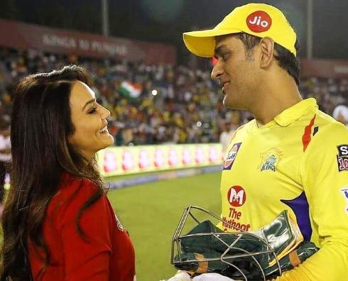 प्ले ऑफ़ से बाहर होने के बाद महेंद्र सिंह धोनी को प्रीति जिंटा ने दी सरेआम धमकी, चुकानी होगी ये कीमत 2