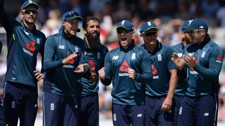विश्व कप में नई जर्सी के साथ खेलने उतरेगी इंग्लैंड की टीम, देखें कैसा है रंग और क्या है खासियत 1