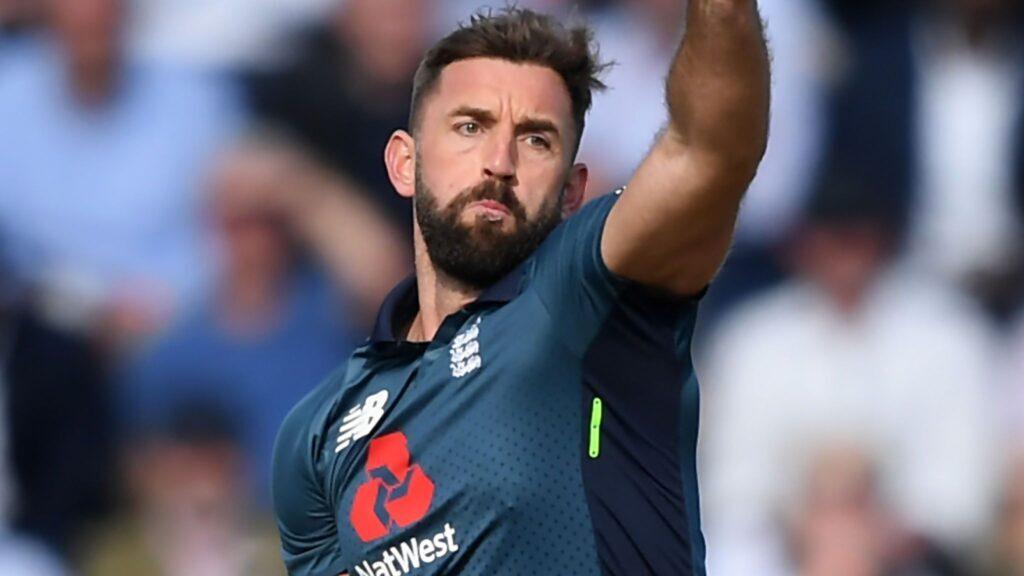 वीडियो: इंग्लैंड के इस खिलाड़ी पर लगा था बॉल टेम्परिंग का आरोप, अब आईसीसी ने कही ये बात 4
