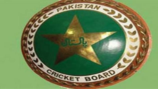 INDvsAPK: पाकिस्तान की हार के बाद सोशल मीडिया पर वीणा मलिक से भिड़ी सानिया मिर्जा 1