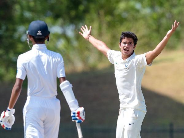WATCH: इंग्लैंड में छाए अर्जुन तेंदुलकर ड्रीम बॉल डाल, सरे के बल्लेबाज को भेजा पवेलियन 13