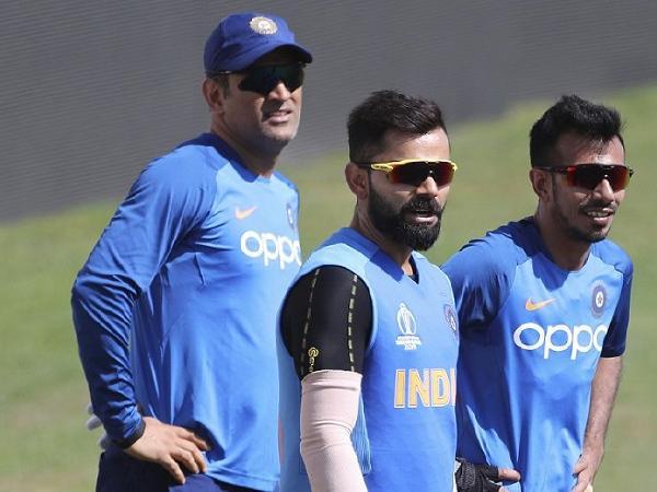 देरी से शुरू हुआ भारत का मैच तो भारतीय प्रशंसको ने बीसीसीआई का बनाया मजाक